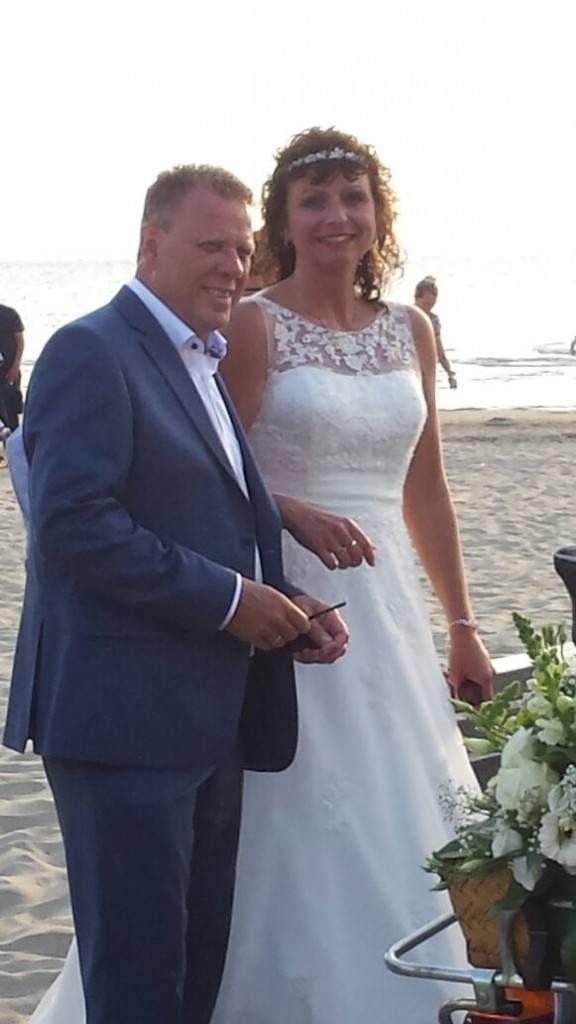 echte bruid Sandra trouwjurk kant