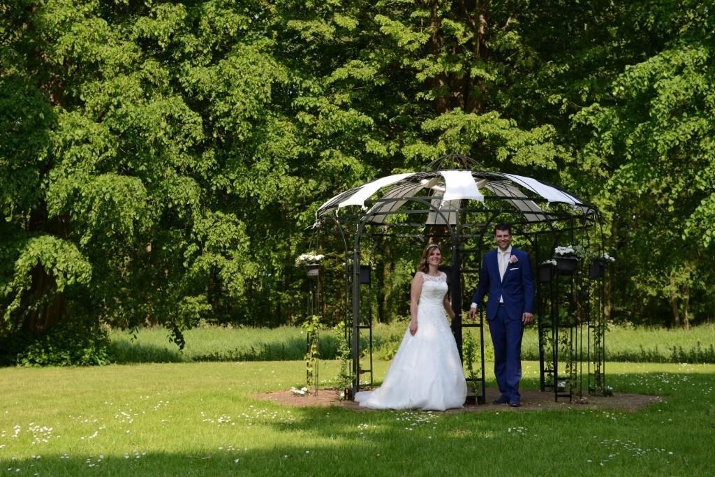 echte bruid Yvet trouwjurk kant