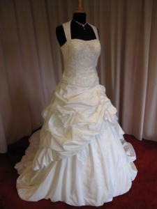 Leijten Maatje meer trouwjurk, grote maat trouwjurk, bruidsmode maatje meer, volslanke bruid