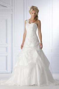 Tres Chic trouwjurk sn5070, Maatje meer trouwjurk, grote maat trouwjurk, bruidsmode maatje meer, volslanke bruid