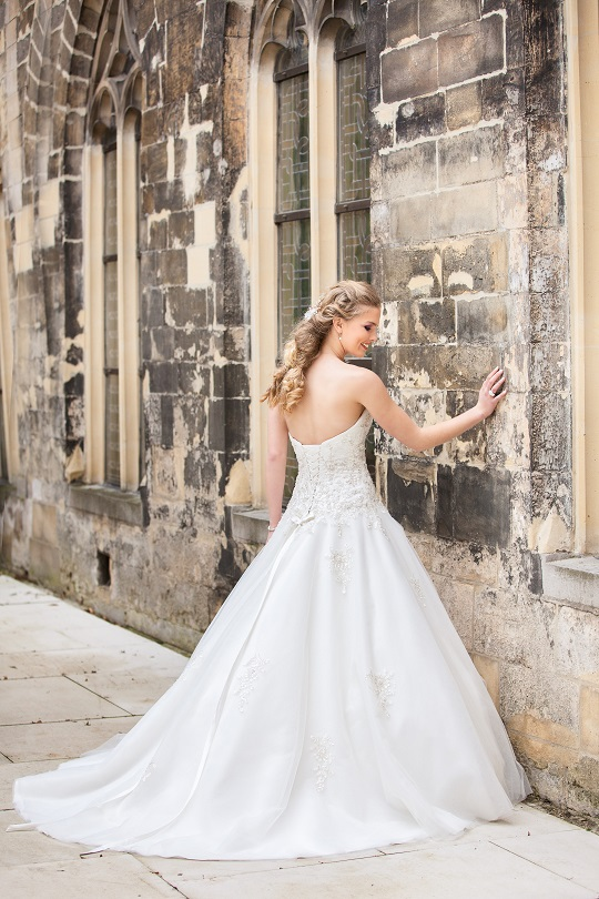 Bridalstar, sisi trouwjurk