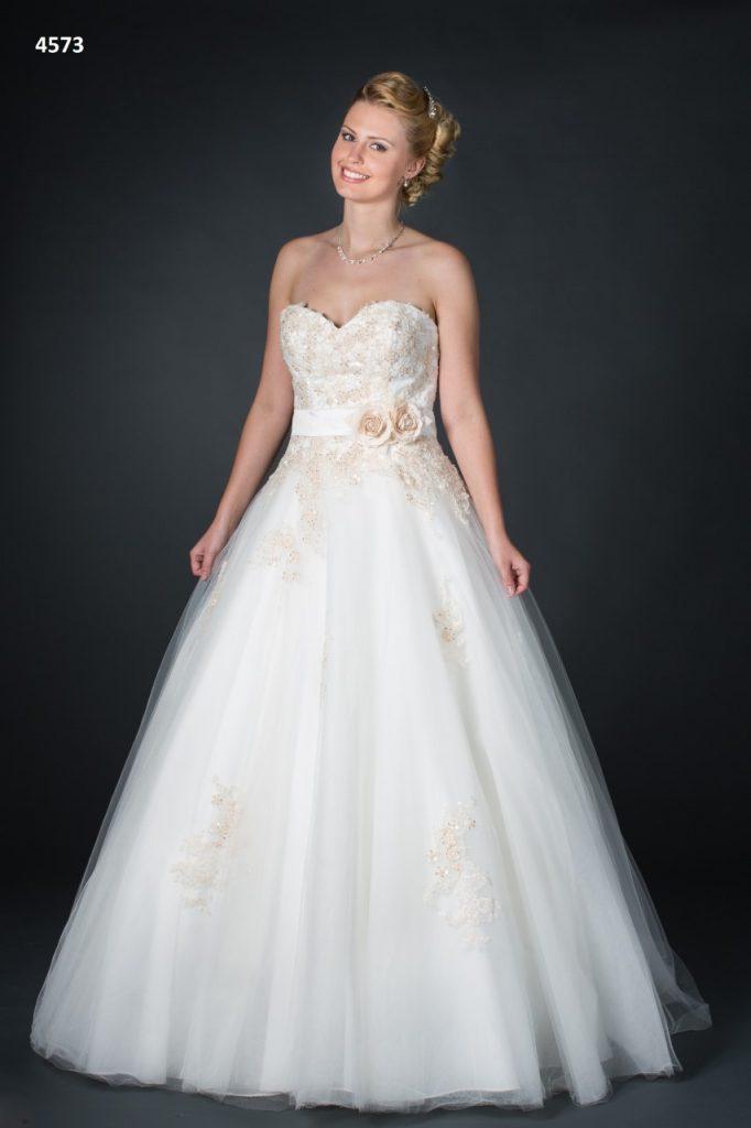 Allure bridal, trouwjurk met kleur