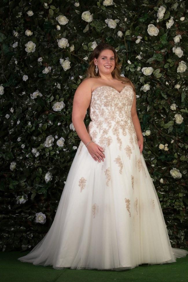 Bruidsjurken Onder 1000 Euro.Bruidsmode Mariska Betaalbare Trouwjurken Van Topmerken