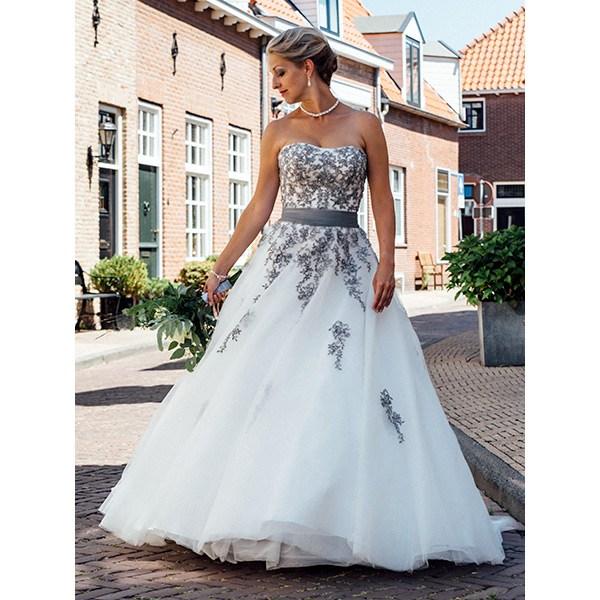 gekleurde trouwjurken bruidsmode
