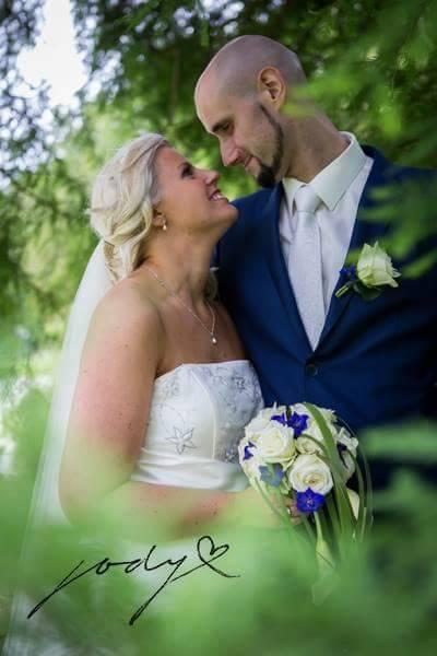 Echte bruid satijnen bruidsjurk