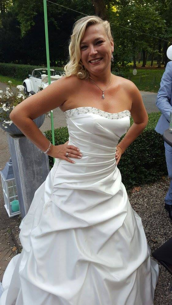 i sad yes to the dress