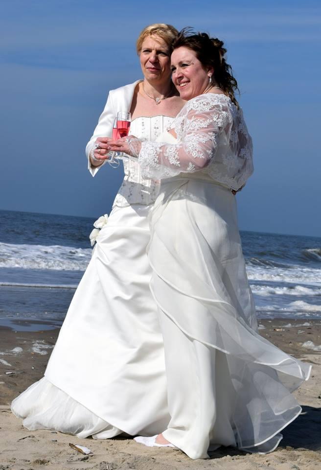 Lesbisch huwelijk trouwjurk, trouwpak