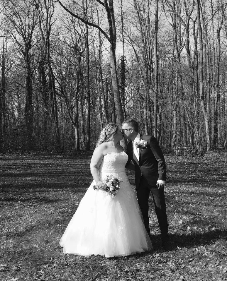 Echte plussize bruid