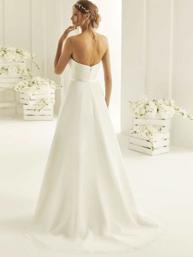 Eenvoudige bruidsjurk
